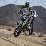 Nadat hij zijn maatje is verloren rijdt Paul Spierings Dakar op vier wielen